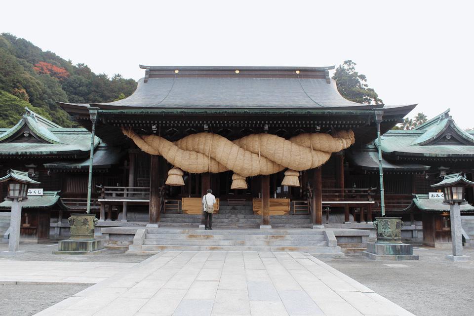 宮地嶽神社の拝殿